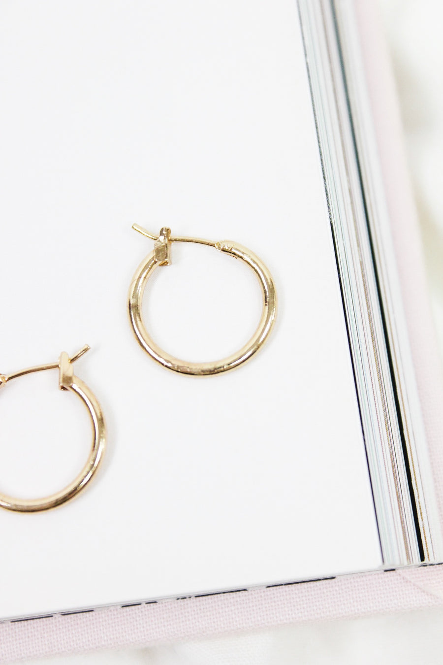 TALK BACK GOLD HUGGIE HOOPS / MEDIUM