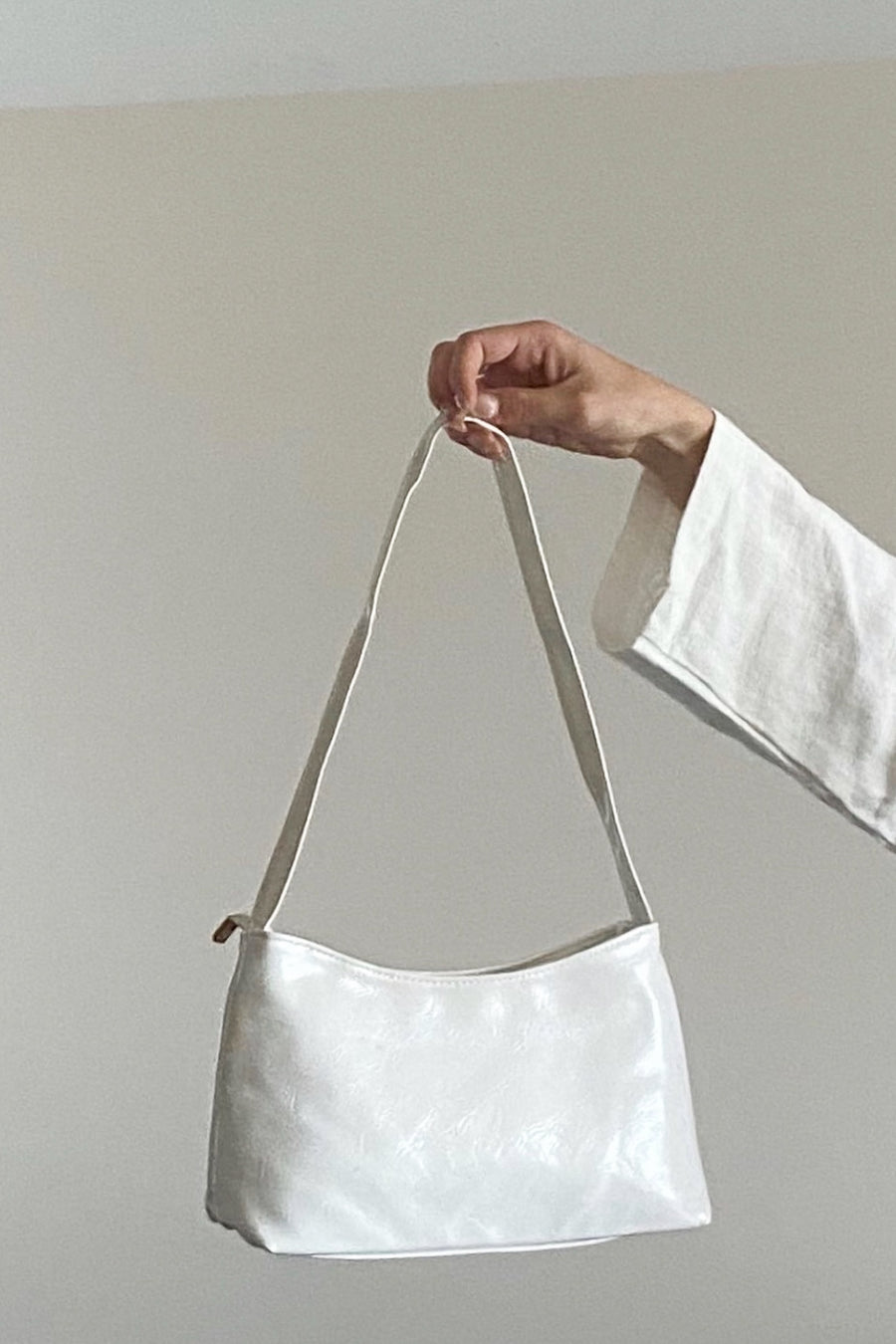 A MILLION REASONS BAG / WHITE