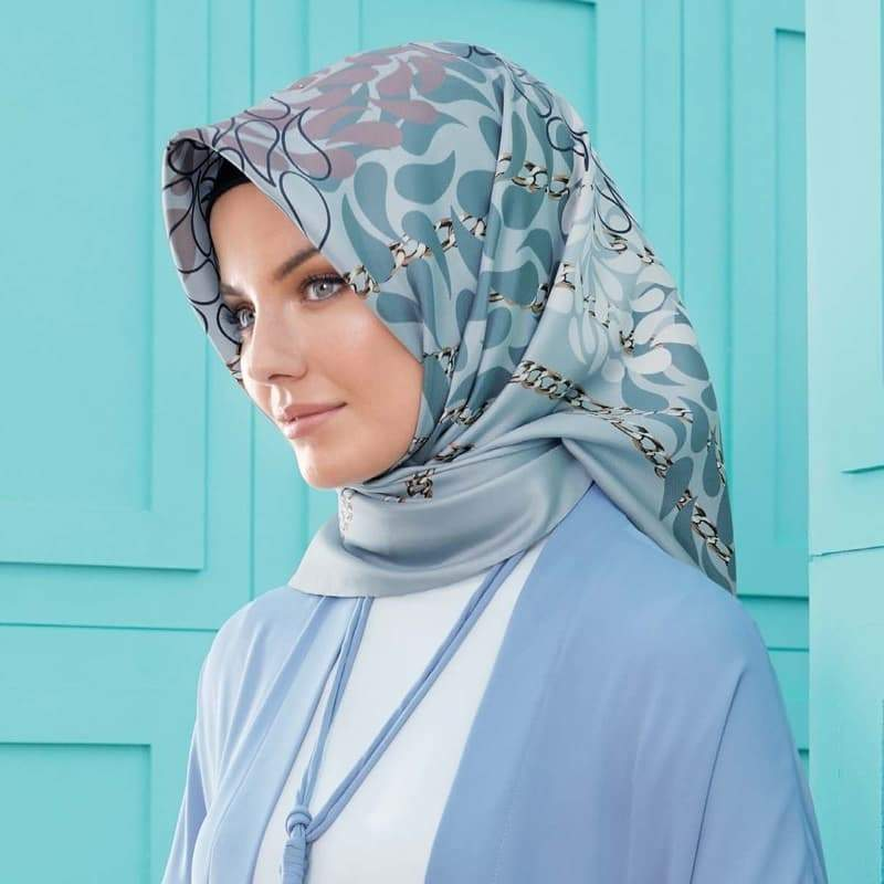 Armine : Amherst Silk Hijab Trends from Turkish Islamic Fashion