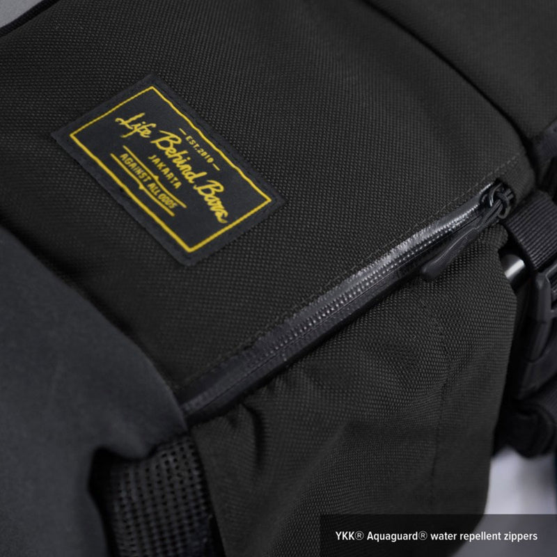 Life Behind Bars : The Peloton Rolltop Backpack : Black