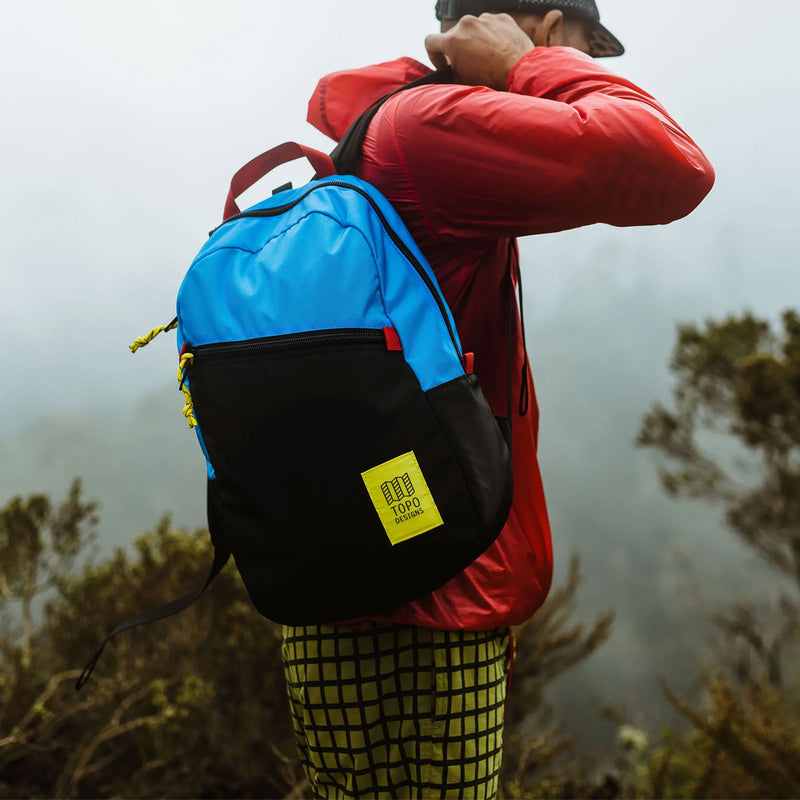 Topo Designs : Light Pack : Black/Black