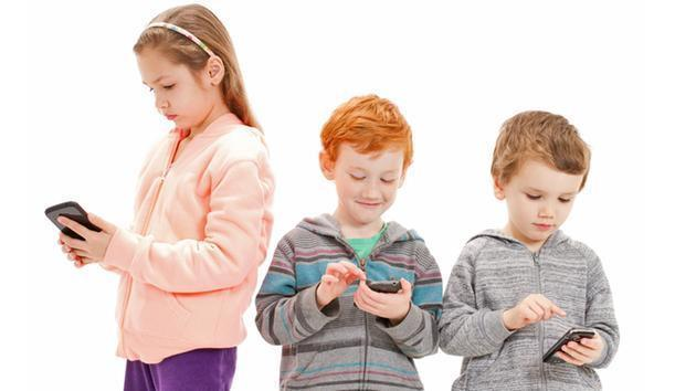 Easy Ways To Reduce Kids' Exposure To Cell Phone Radiation