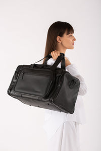 Waterloo black leather unisex travel bag