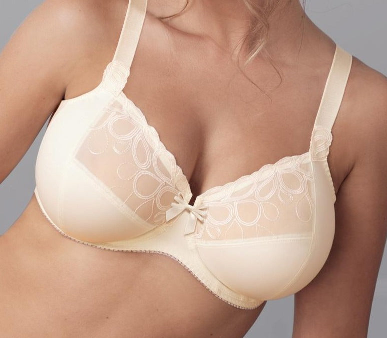 A great bra for the full bust, from Anita's Rosa Faia line, Lupina, is a superior bra made with deep cups and finished with an embroidered lace. Color Champagne. Style 5628.