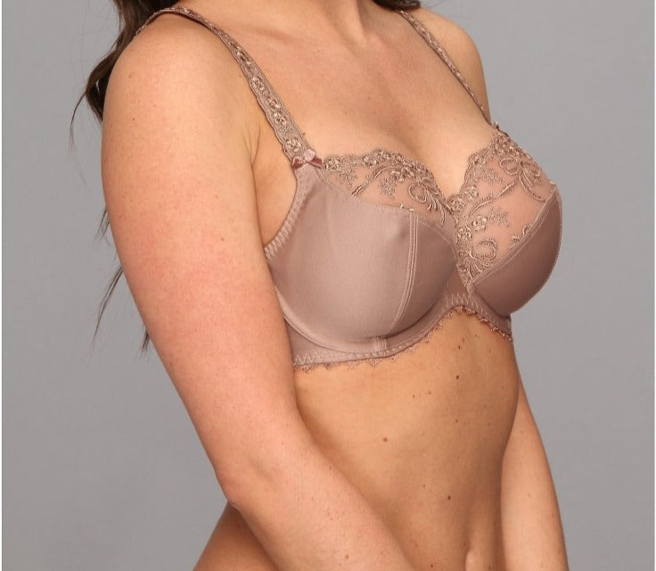 Anita Rosa Faia Scarlett, this premium full cup bra creates a flattering shape. Color Dusty Rose. Style 5648.