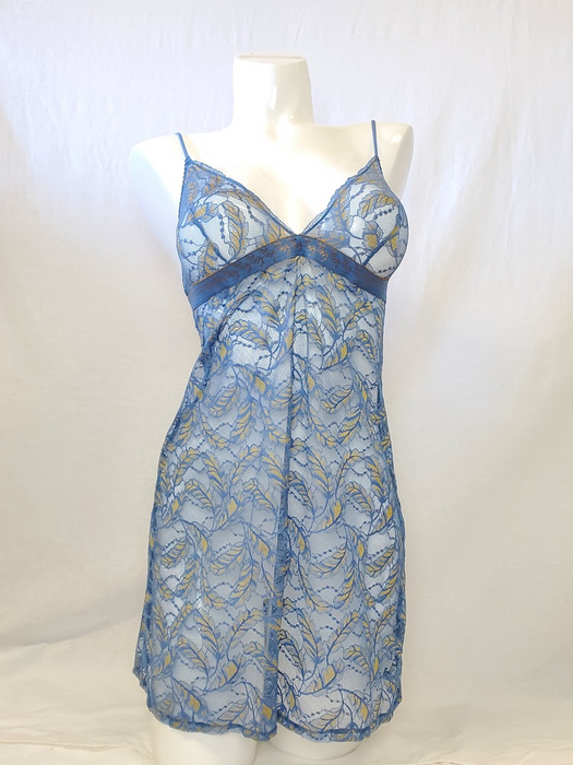 This lace nighty chemise from Lou, Wonderful Flight, is a wonderful lace piece. Color Bleu. Style NC252.