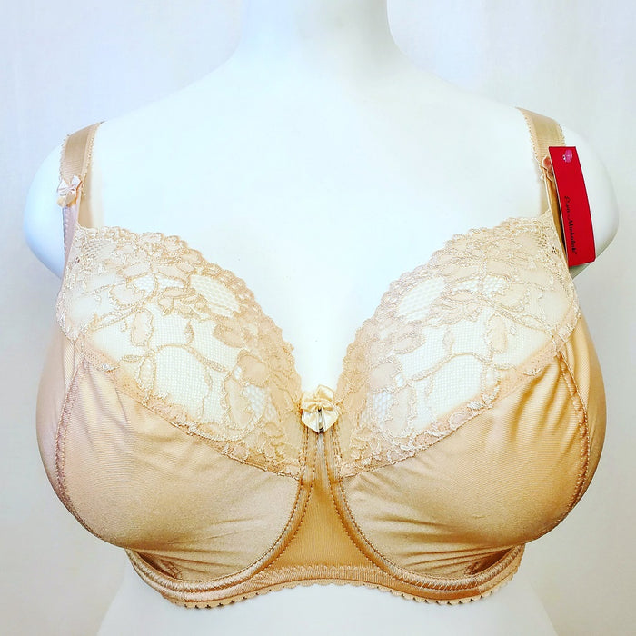 Ewa Michalak bra, Bibi, a balconette bra for the full bust with soft tissue. Color Pearl. Style 533.