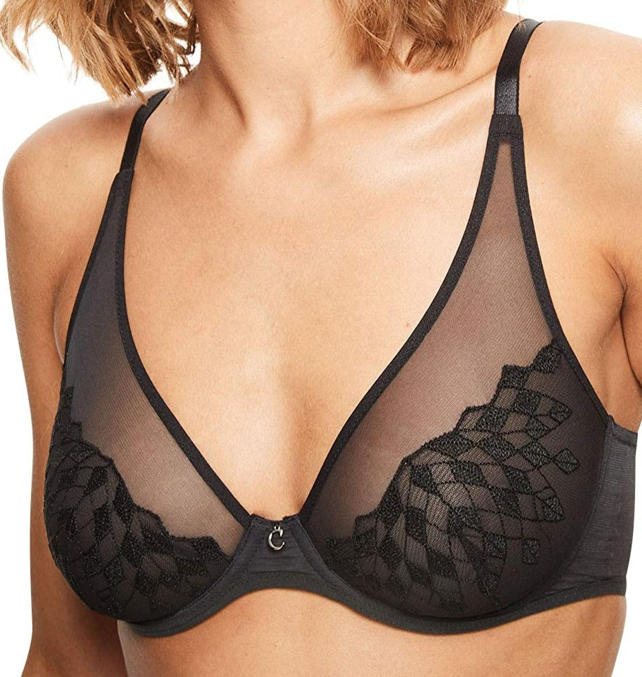 Chantelle Wagram, this plunge bra is high elegance. Color black. Style 2991.