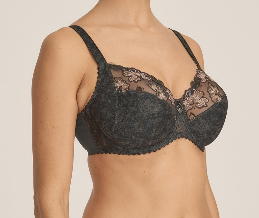 A hard to find Prima Donna bra, Wild Flower is a full cup bra with great support and fit. Color Night Grey. Style 0163130.