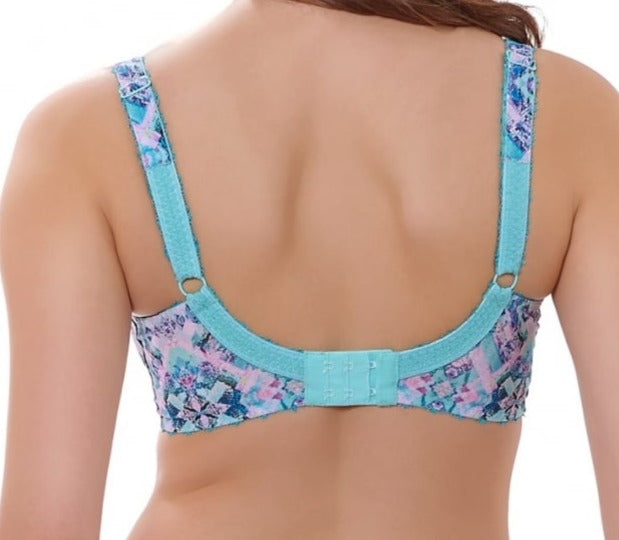 Freya Chameleon, a discontinued plunge bra. We have this hard to find bra at a low price. Color Pastel. Style AA1971.