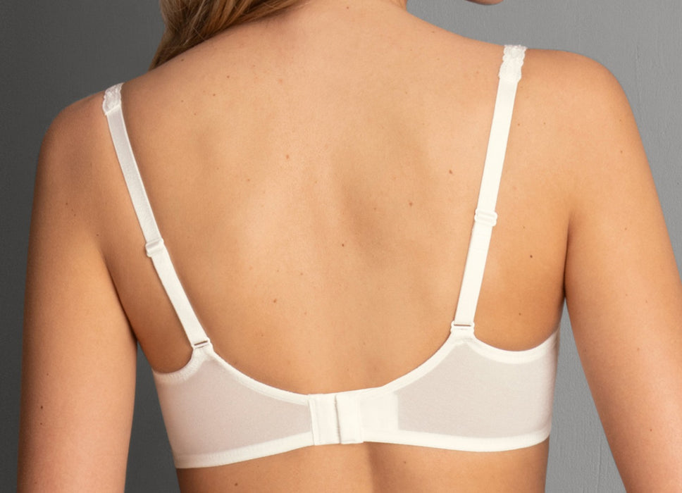 This Rosa Faia bra by Anita, Charlize, is a beautiful balconette bra with 3-part cups and soft mesh linings. Plus this bra is on sale. Color Crystal. Style 5667.