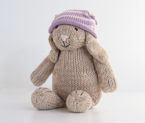 Sitting Bunny in Slouch Hat