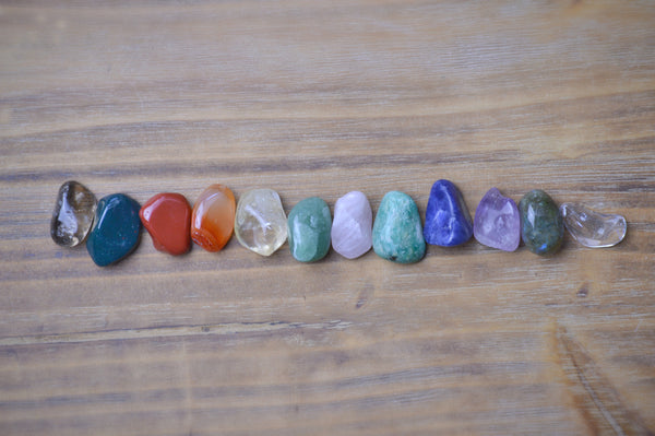 Essential Twelve Crystal Healing Kit | Chakra Balance Stones | Ultimate Stone Set Sacred Soul Stones