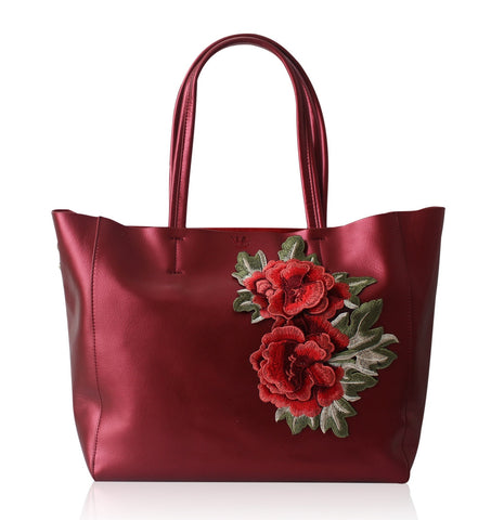 Will-Ahsi - Gwen Embroidered Tote in Red - Oluwa & Celestin