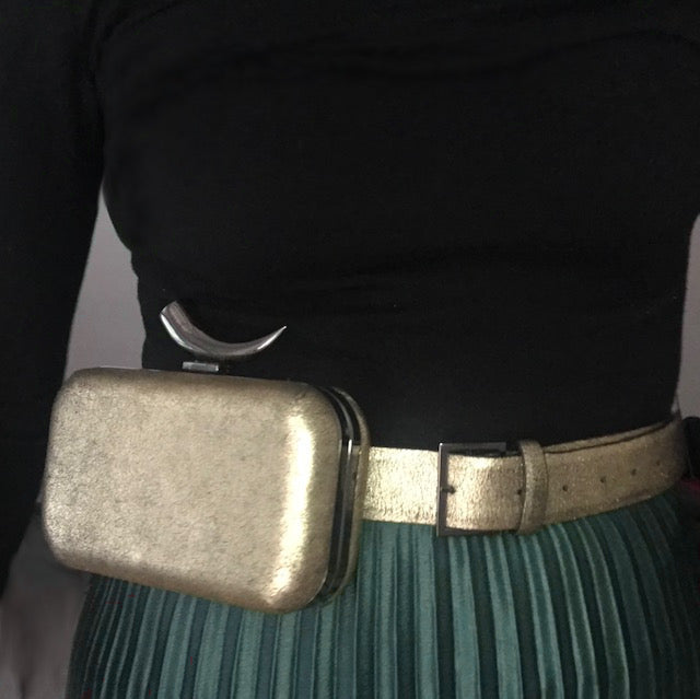 Kamilah Willacy - Ghalia Metallic Belt Clutch