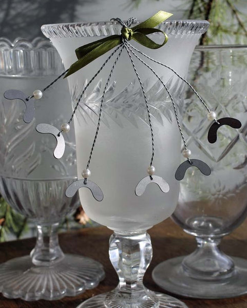 Metal Mistletoe Decoration
