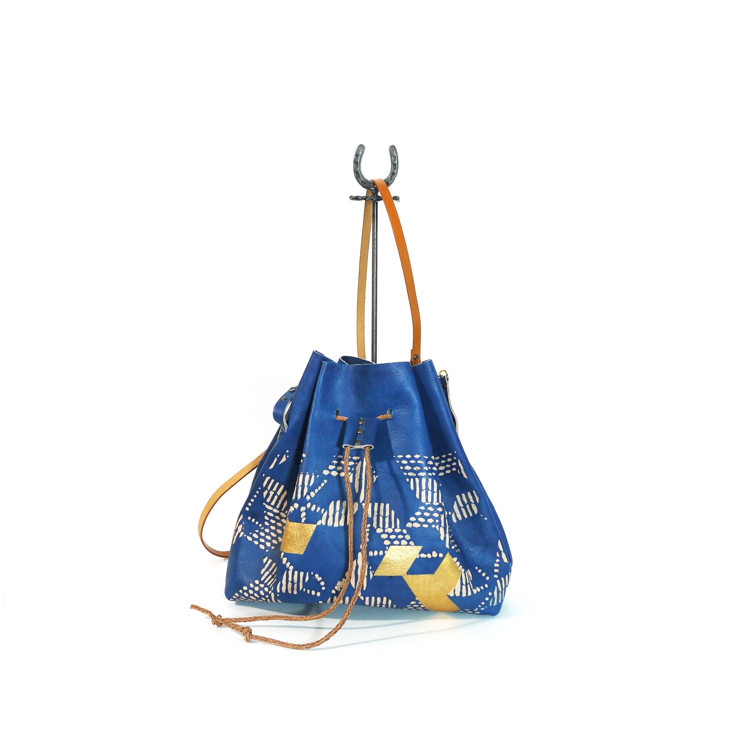 Bucket Bag 03. indigo leather shoulder bag