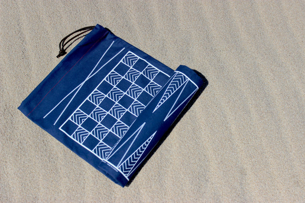 The Classic Navy: Backgammon & Checkers Game-Bag Set