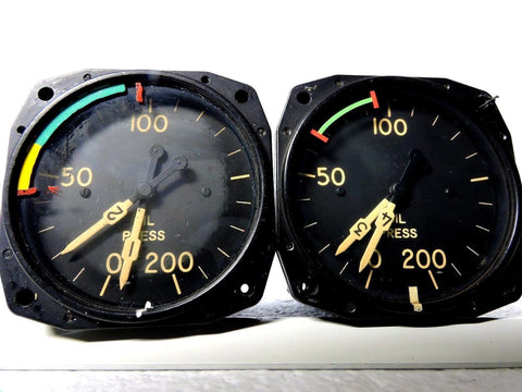 Oil Pressure Gauge Set, Dual Engine, for 4 Engine Aircraft, US Gauge Type B-9C