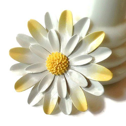 Large White and Yellow Brooch Daisy