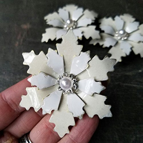 Distressed Primitive Snowflake Brooch