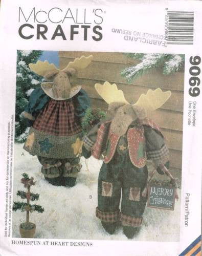 "9069 Sewing Pattern McCall's Christmas Moose 17 1/2"" Tall w Clothes"