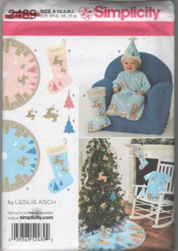 *2489 Sewing Pattern Christmas Holiday Bunting Tree Skirt Stocking Ornaments