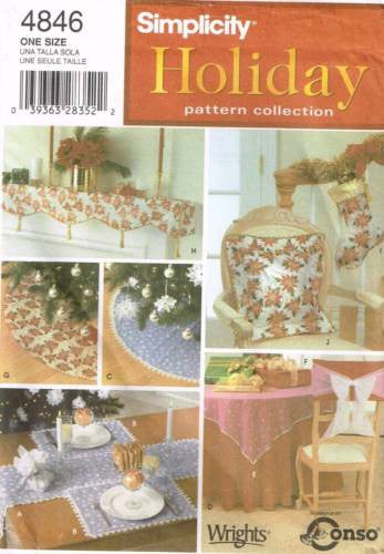 *4846 Sewing Pattern Christmas Tree Skirt Table Runner Pillow Mantle Scarf