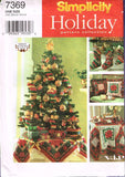 7369 Sewing Pattern Christmas Accessories Stocking Tree Skirt Ornaments Pillow