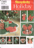 7365 Sewing Pattern Christmas Accessories Stocking Bib Tree Skirt Ornaments