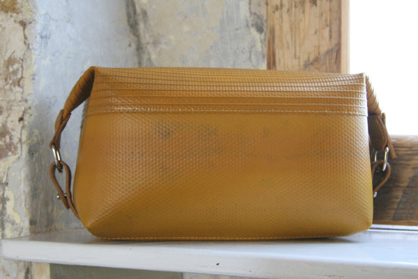 Elvis & Kresse Large washbag_yellow