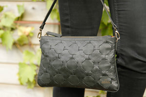 Clutch with short strap - LIVARI - Elvis & Kresse