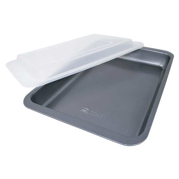 B06CC - Non-stick Covered Cake Pan 9x13 inch