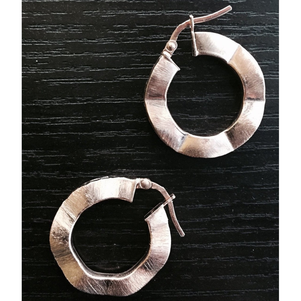 Small Miami Wave Hoop Earrings Dipped in Rose Gold
