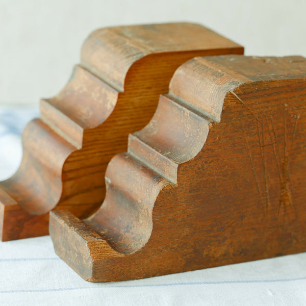 oak curvy corbels or bookends front view