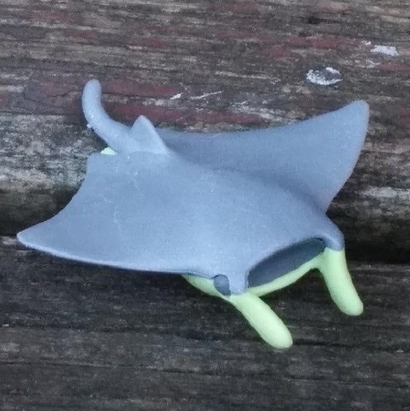 ER-MANTA-Iwako Sea Animal Japanese Puzzle Eraser - Gray Manta Ray