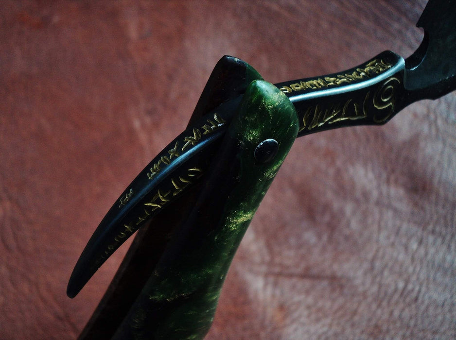 Dylan Farnham Custom Straight Razor - Green Resin With Copper, Manzanita Burl Scales-