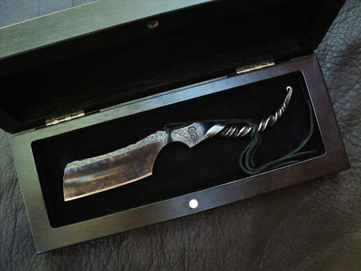 "SOLD-Dylan Farnham #55,""Twist Forged"" 8/8 Kamisori Straight Razor, with custom storage box-"