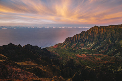 NA PALI COAST AT SUNSET