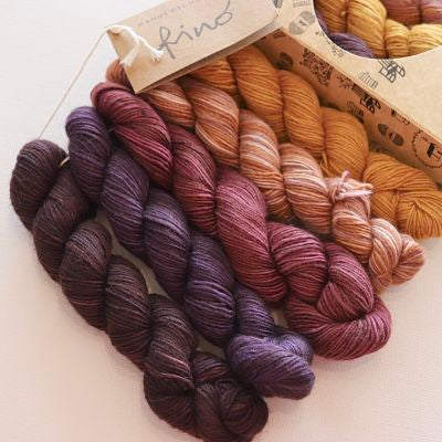 Manos Del Uruguay Fino 4ply/Fingering - 70% Merino Wool/30% Silk (5 x 20gm box)