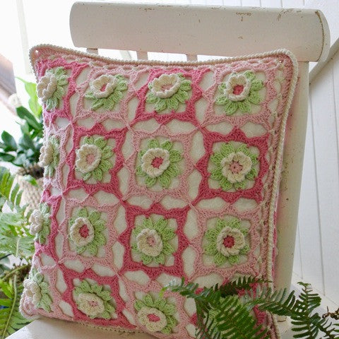 YYC Kit - Lily Cushion - Yummy Yarn and co