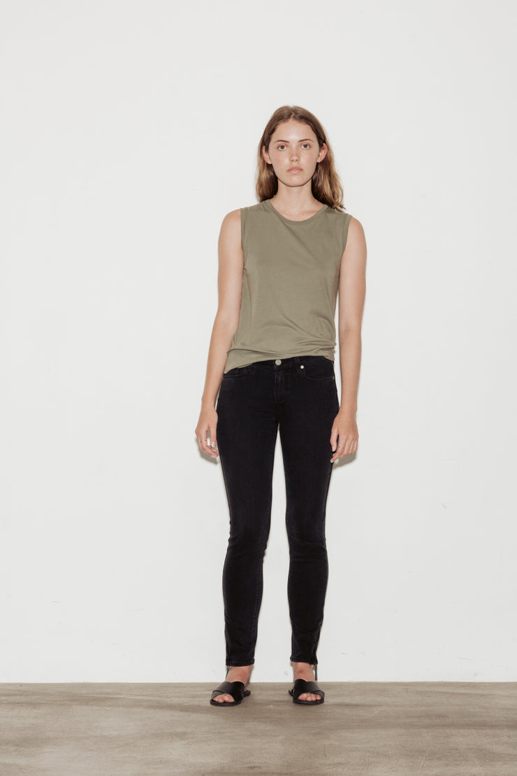 Verdugo Mid Rise Ankle Jeans
