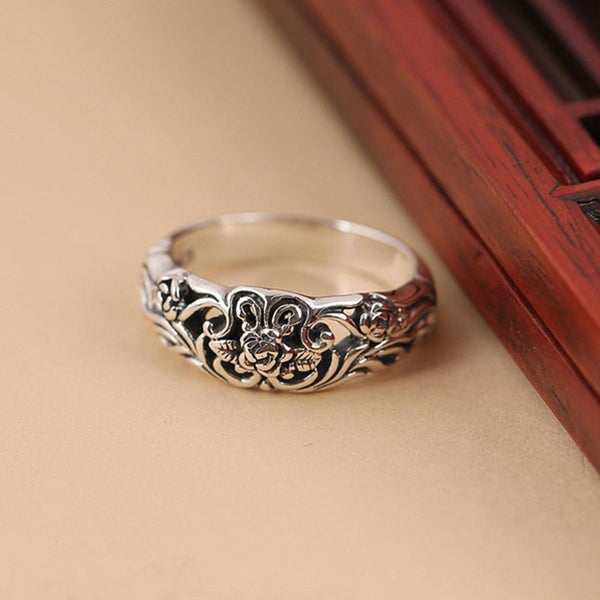 Exquisite Carved Rose Flower Ring