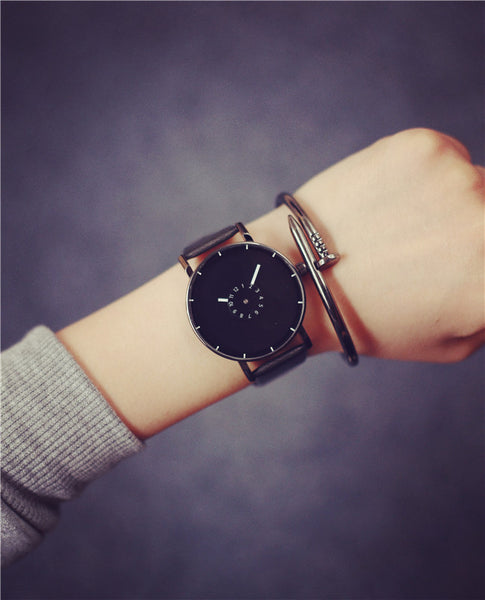 Black and White Unisex Quartz Clock Watch