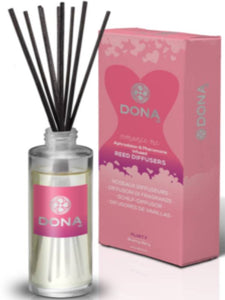flirty reed diffuser product and packaging