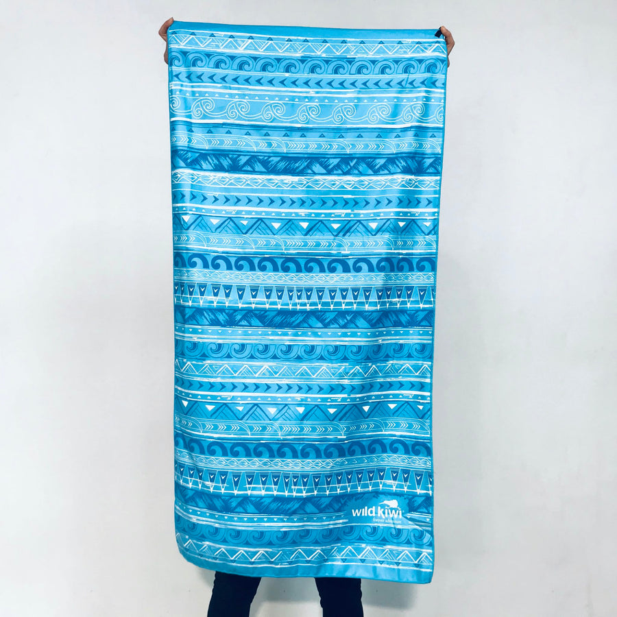 Blue packable travel towel-quick-dry-towel-www.wild-kiwi.co.nz