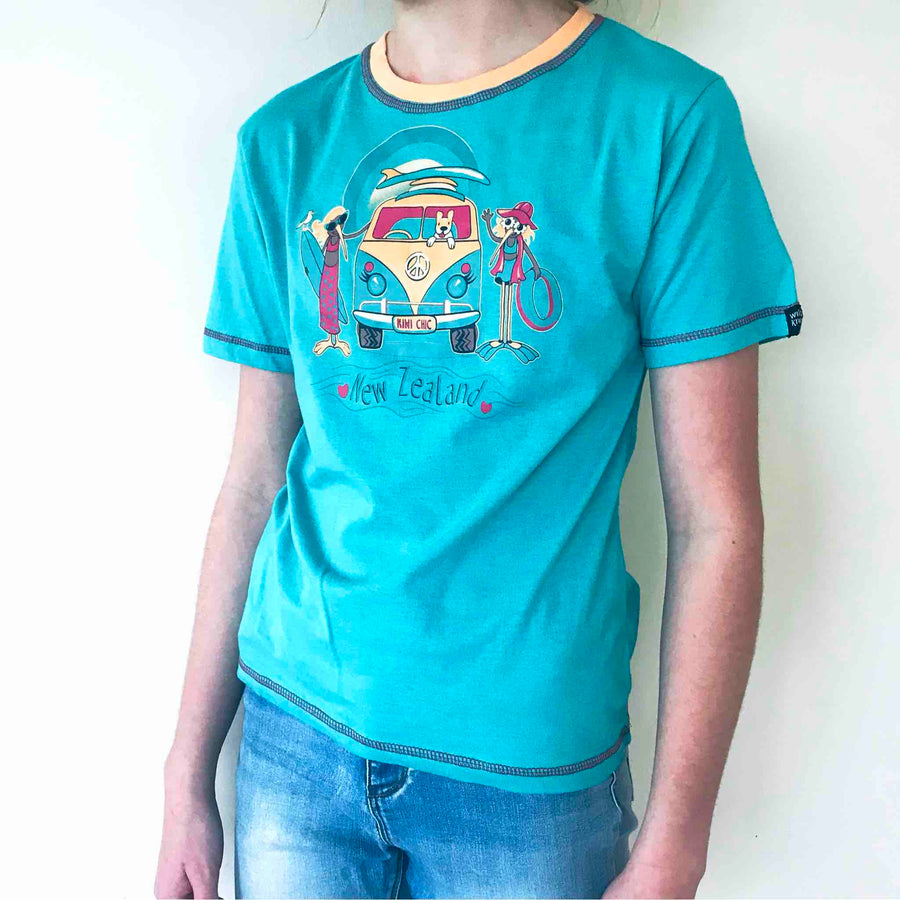 Children's teal t shirt with cartoon kiwi print. Wild Kiwi New Zealand Kid's tee. www.wild-kiwi.co.nz