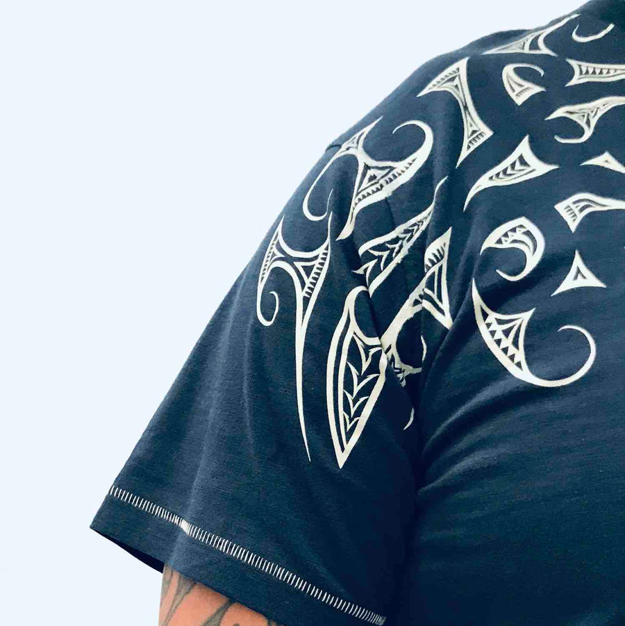 men's teal raglan sleeve new zealand t-shirt wth maori design shoulder print - kia-kaha nz