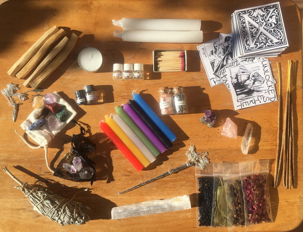 DELUXE WITCHCRAFT KIT ~ wiccan altar kit ~ spell candles ~ amethyst ~ selenite ~ rose quartz ~ bay leaves
