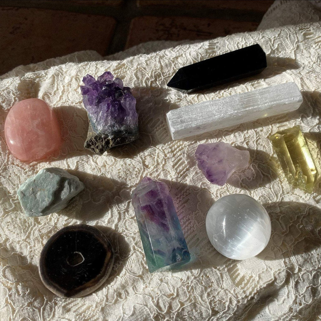 Crystal Witchcraft Kit ~ Natural Crystal Collection ~ Rough Crystal Healing Crystals and Stones Geode Amethyst selenite fluorite obsidian
